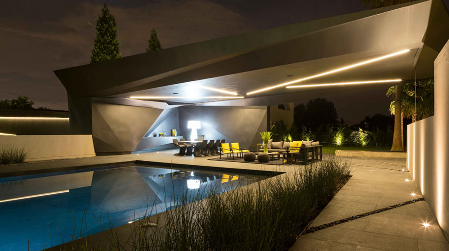 modern-architecture-all-interiors-connect-outside-kloof-road-house-werner-van-del-meulen-south-africa-1