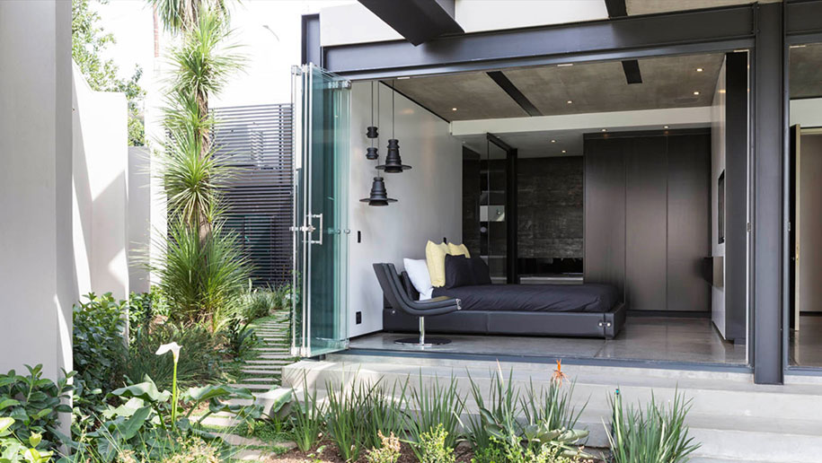 modern-architecture-all-interiors-connect-outside-kloof-road-house-werner-van-del-meulen-south-africa-15