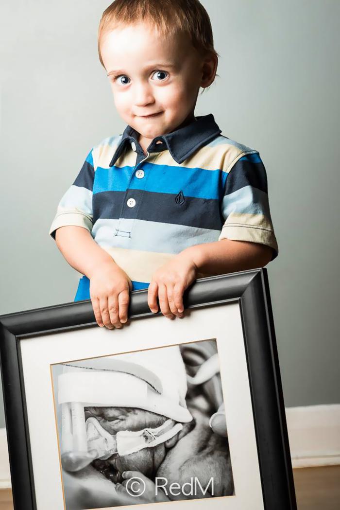 premature-baby-portraits-frame-les-premas-red-methot-21