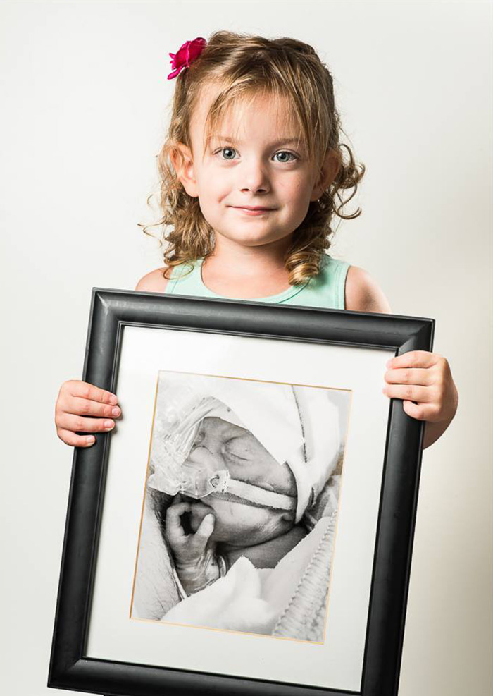 premature-baby-portraits-frame-les-premas-red-methot-3
