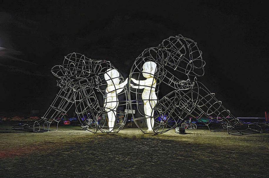 ukrainian-sculpture-burning-man-love-alexander-milov-2