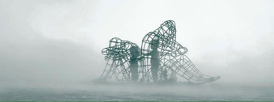 ukrainian-sculpture-burning-man-love-alexander-milov-3