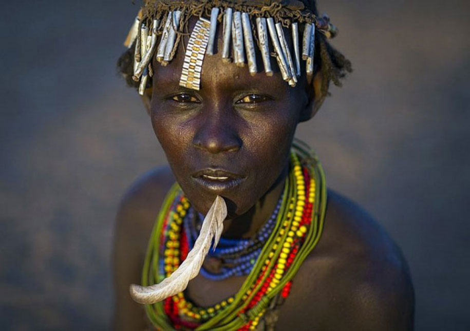 daasanach-tribe-recycled-headwear-eric-lafforgue-ethiopia-c