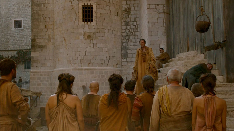 fan-visit-real-life-game-of-thrones-filming-locations-asta-skujyte-razmiene-1