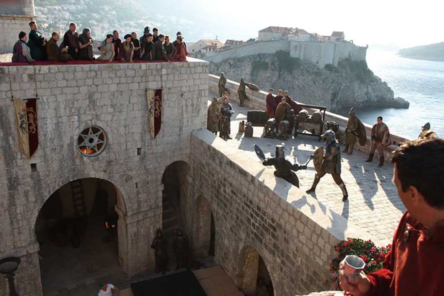 fan-visit-real-life-game-of-thrones-filming-locations-asta-skujyte-razmiene-36