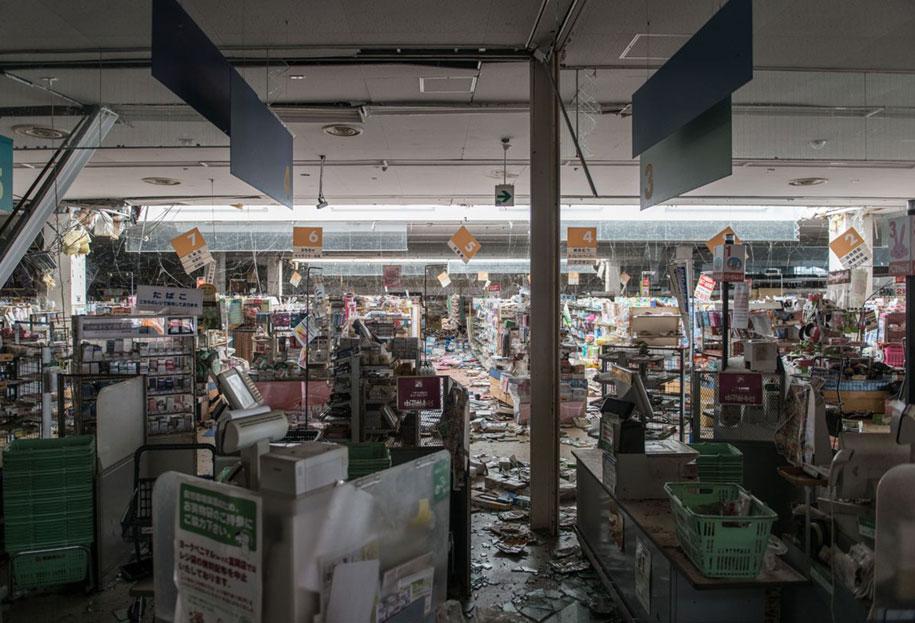 nature-reclaim-fukushima-exclusion-zone-photos-arkadiusz-podniesinski-3