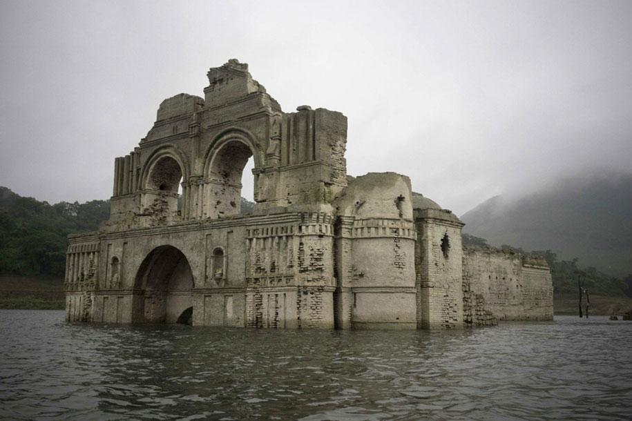 submerged-church-emergence-temple-santiago-quechula-mexico-6