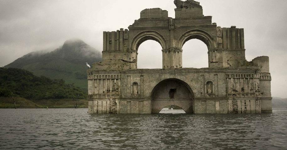 submerged-church-emergence-temple-santiago-quechula-mexico-8