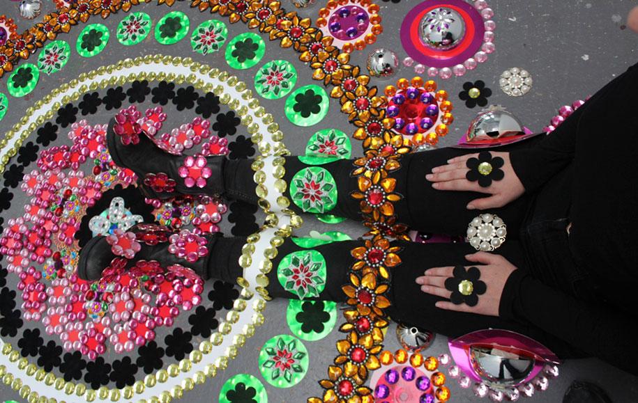 thousand-pieces-kaleidoscopic-installations-suzan-drummen-netherlands-11