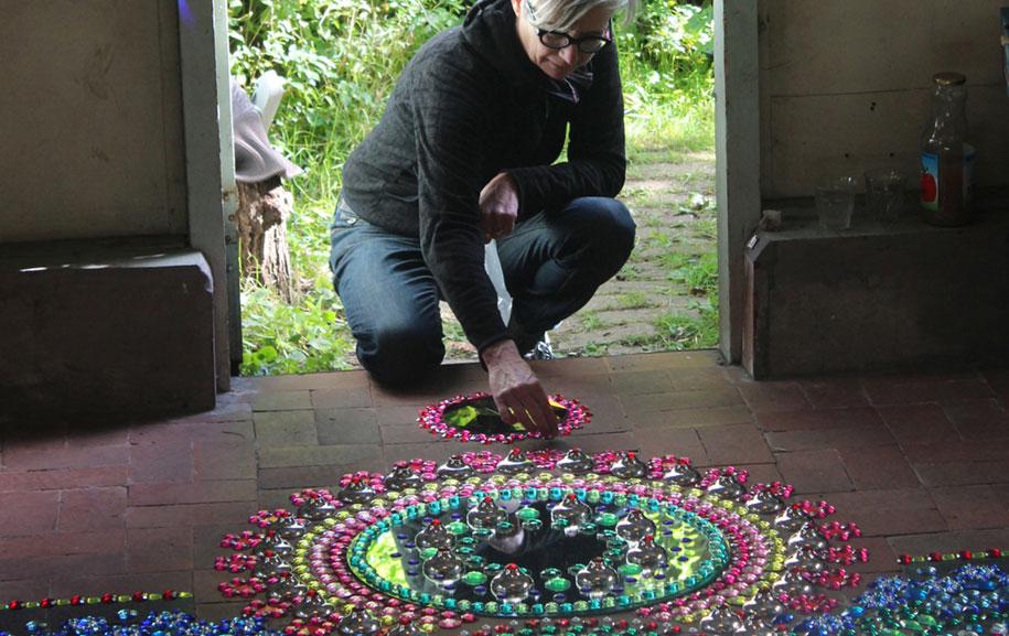 thousand-pieces-kaleidoscopic-installations-suzan-drummen-netherlands-14
