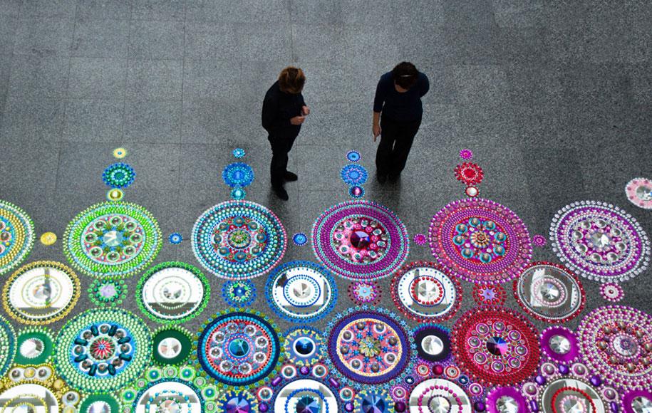 thousand-pieces-kaleidoscopic-installations-suzan-drummen-netherlands-17