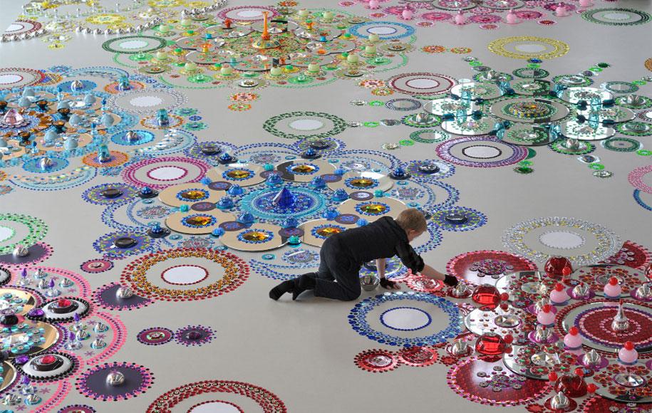 thousand-pieces-kaleidoscopic-installations-suzan-drummen-netherlands-18