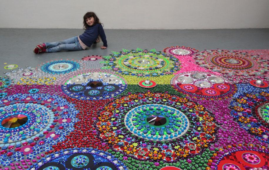 thousand-pieces-kaleidoscopic-installations-suzan-drummen-netherlands-5