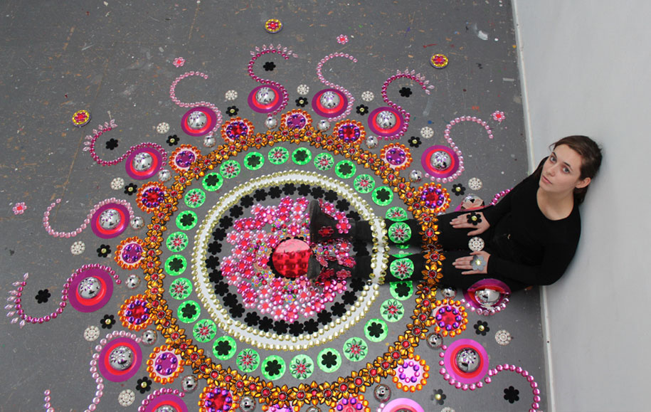 thousand-pieces-kaleidoscopic-installations-suzan-drummen-netherlands-7