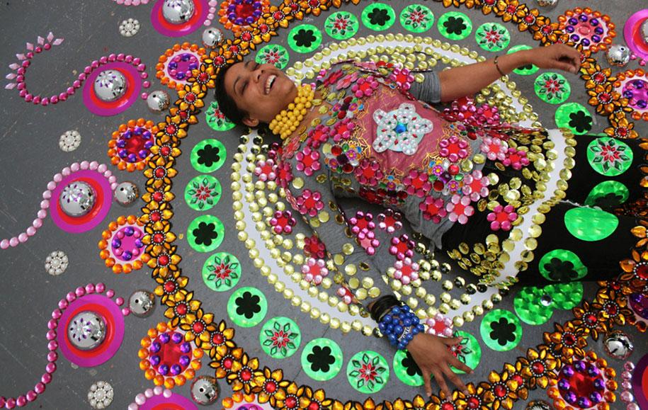 thousand-pieces-kaleidoscopic-installations-suzan-drummen-netherlands-8