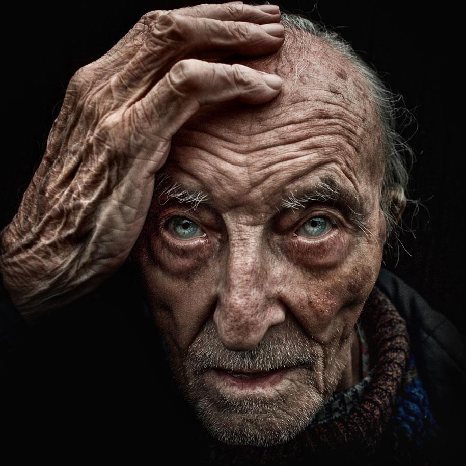 black-white-homeless-portraits-lee-jeffries-12