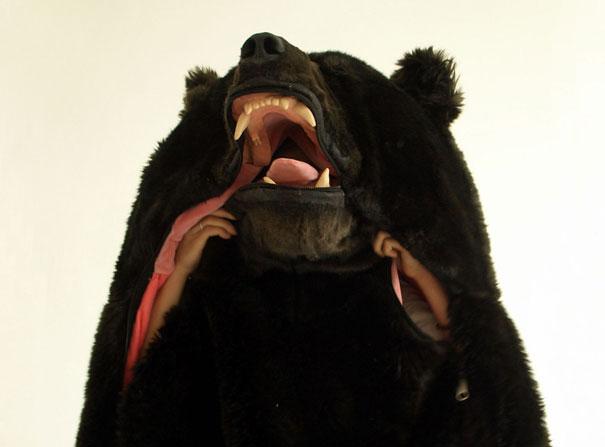 dark-bear-sleeping-bag-eiko-ishizawa-1