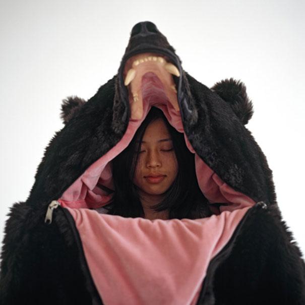 dark-bear-sleeping-bag-eiko-ishizawa-5