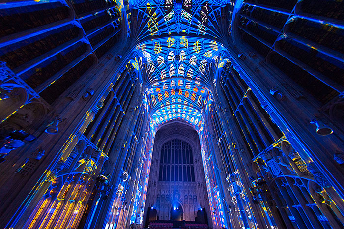 kings-college-chapel-immersive-projection-dear-world-yours-cambridge-miguel-chevalier-1