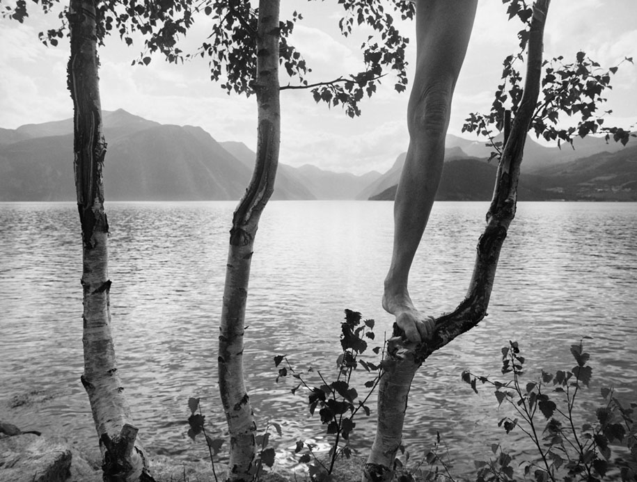 landscape-self-portrait-photography-body-arno-rafael-minkkinen-11