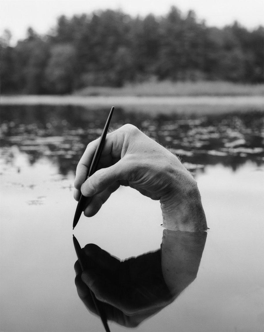 landscape-self-portrait-photography-body-arno-rafael-minkkinen-14