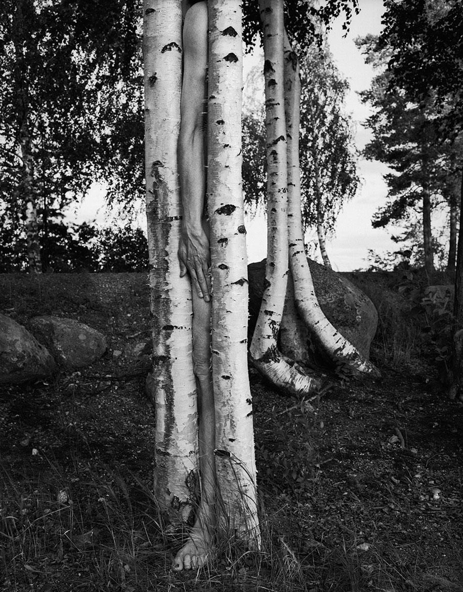 landscape-self-portrait-photography-body-arno-rafael-minkkinen-16
