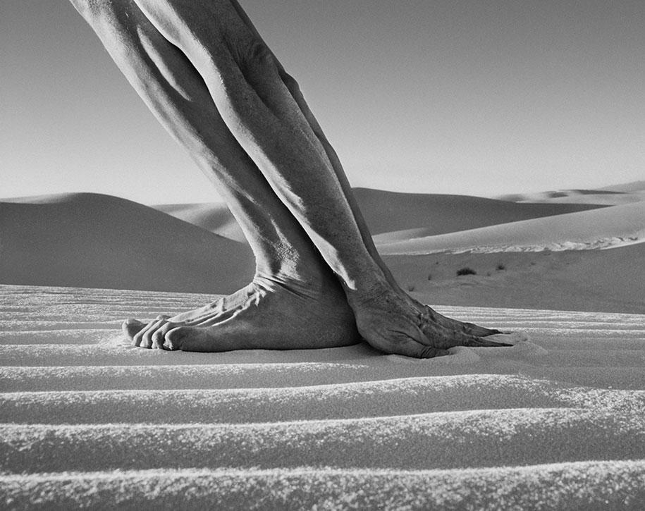 landscape-self-portrait-photography-body-arno-rafael-minkkinen-17