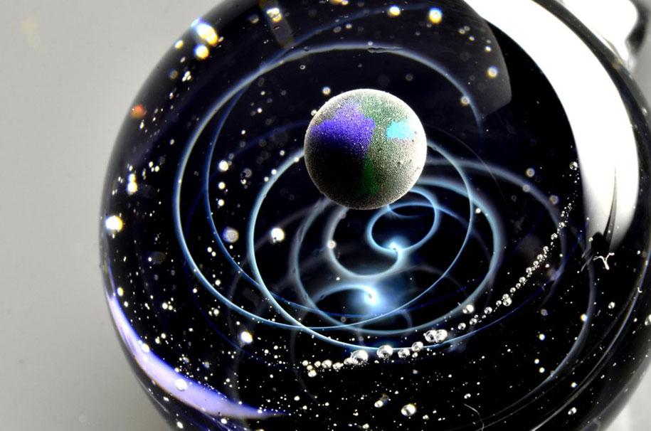planets-galaxy-glass-pendants-space-glass-satoshi-tomizu-9