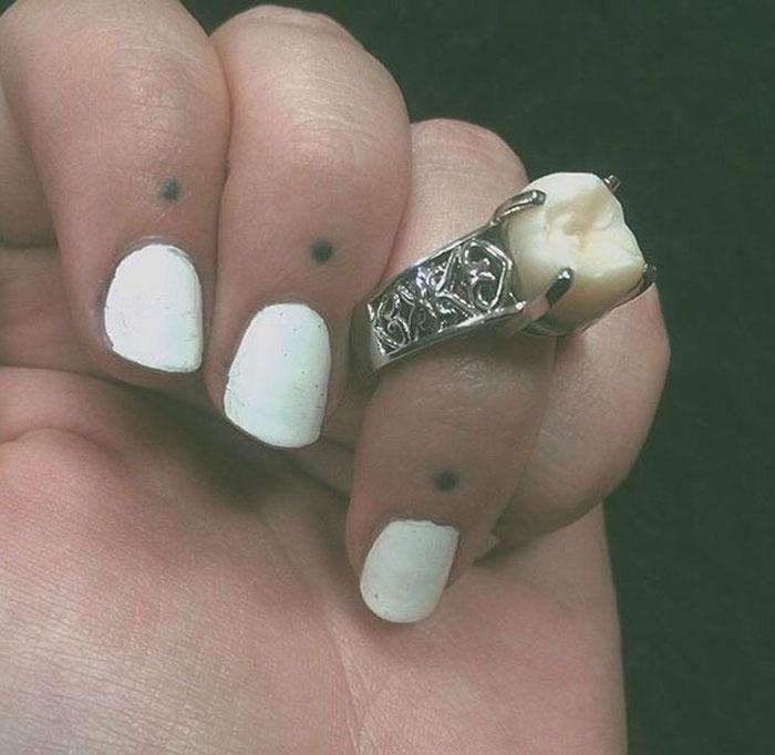 wisdom-tooth-wedding-engagement-ring-carlee-leifkes-lucas-unger-4