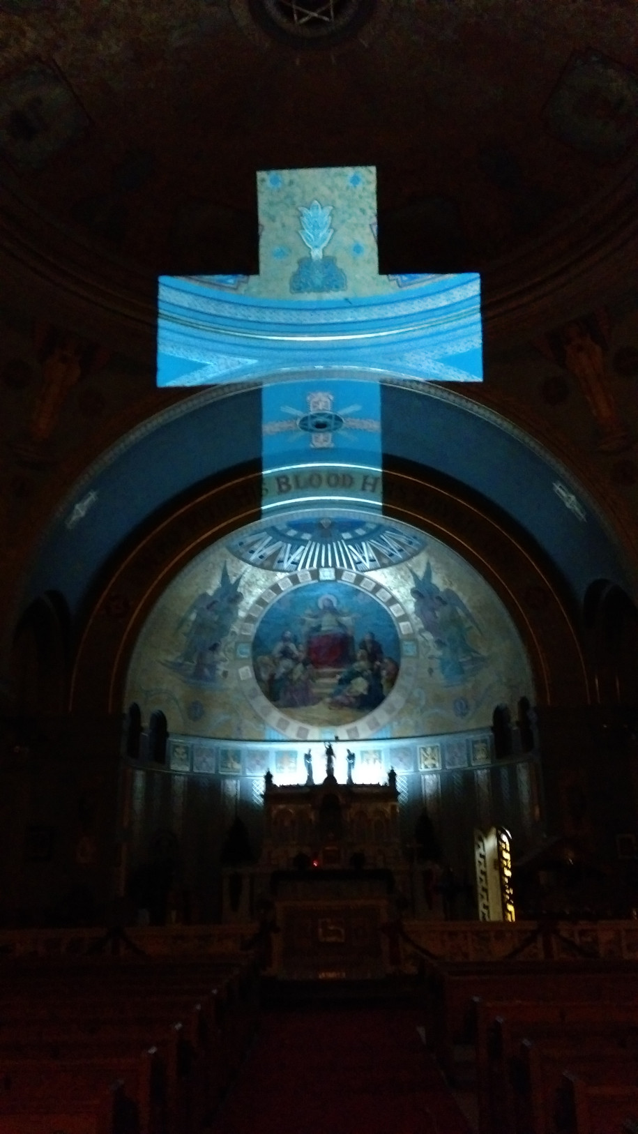 'God's Light',Amazing Light Installation by Keyi Dai at the Cathedral of St. Anthony