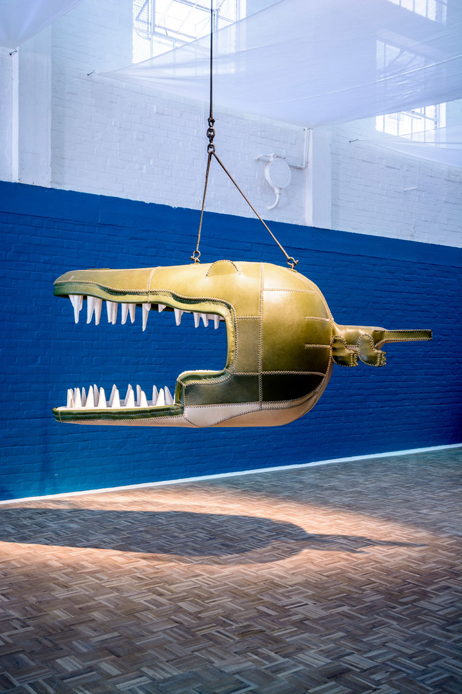 animal-mouth-hanging-chairs-monstera-deliciosa-porky-hefer-3