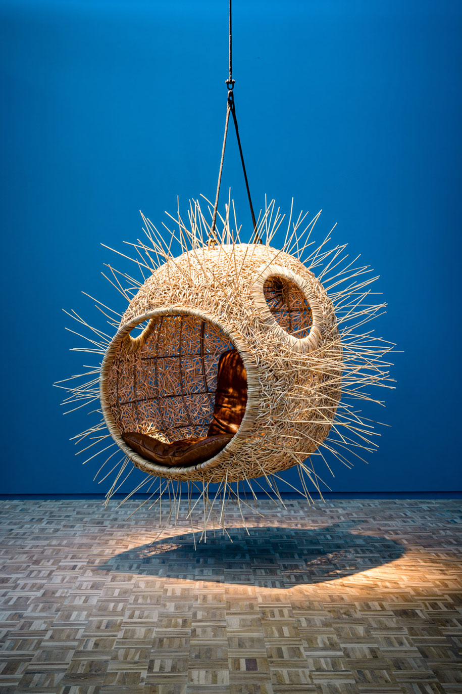 animal-mouth-hanging-chairs-monstera-deliciosa-porky-hefer-5