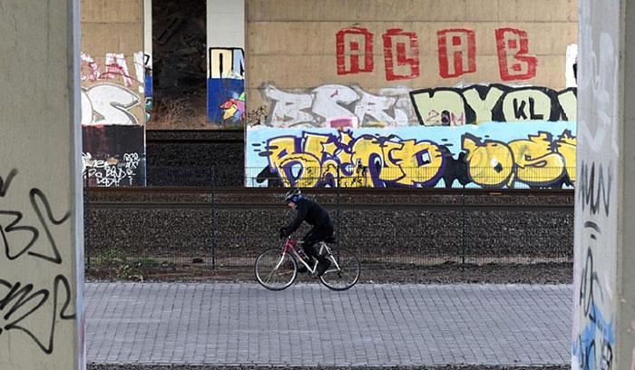 bicycle-autobahn-super-highway-germany-1