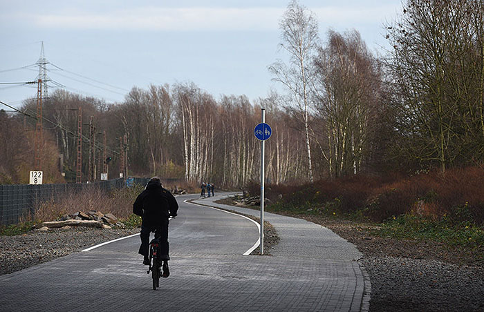 bicycle-autobahn-super-highway-germany-2