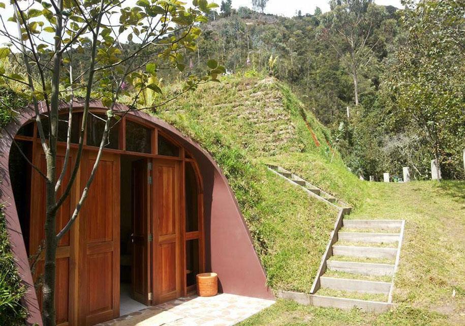 hobbit-holes-prefabricated-eco-friendly-houses-green-magic-homes-1