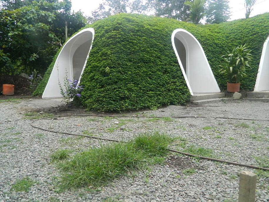 hobbit-holes-prefabricated-eco-friendly-houses-green-magic-homes-2