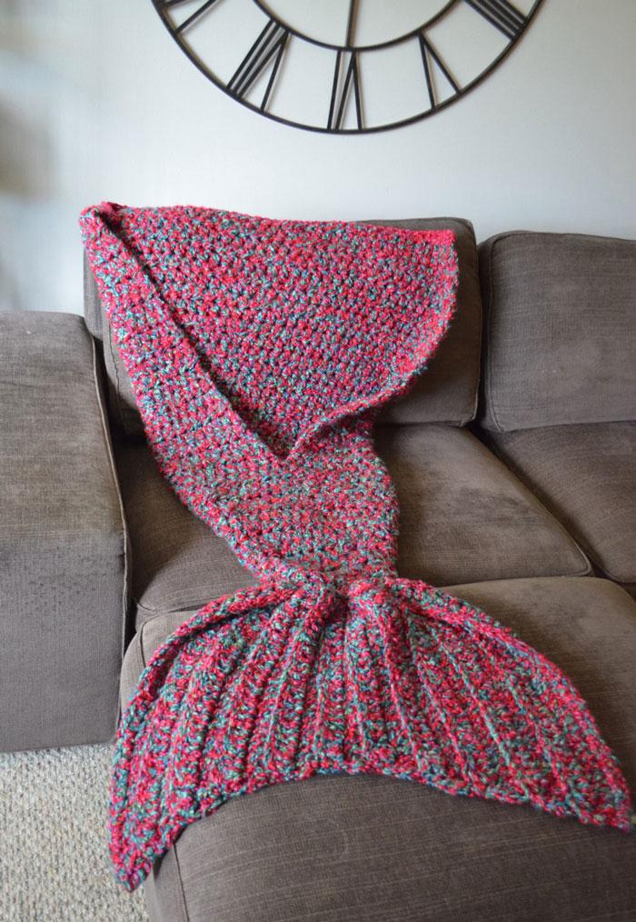 knitted-mermaid-tail-melanie-campbell-cassjamesdesigns-2