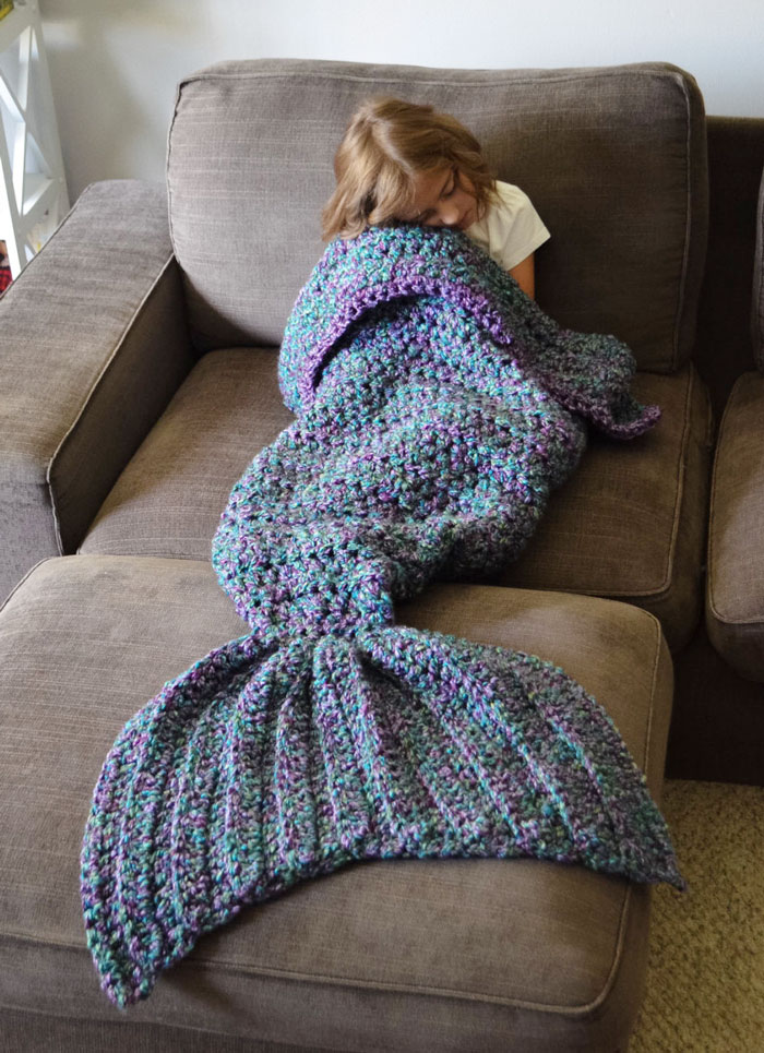 knitted-mermaid-tail-melanie-campbell-cassjamesdesigns-5
