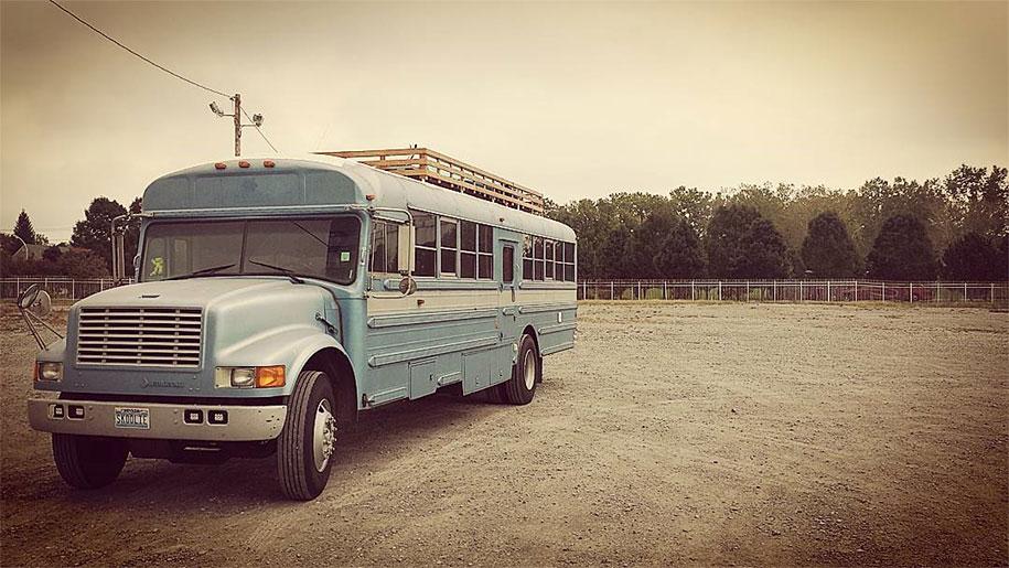 mobile-school-bus-home-travel-patrick-schmidt-2