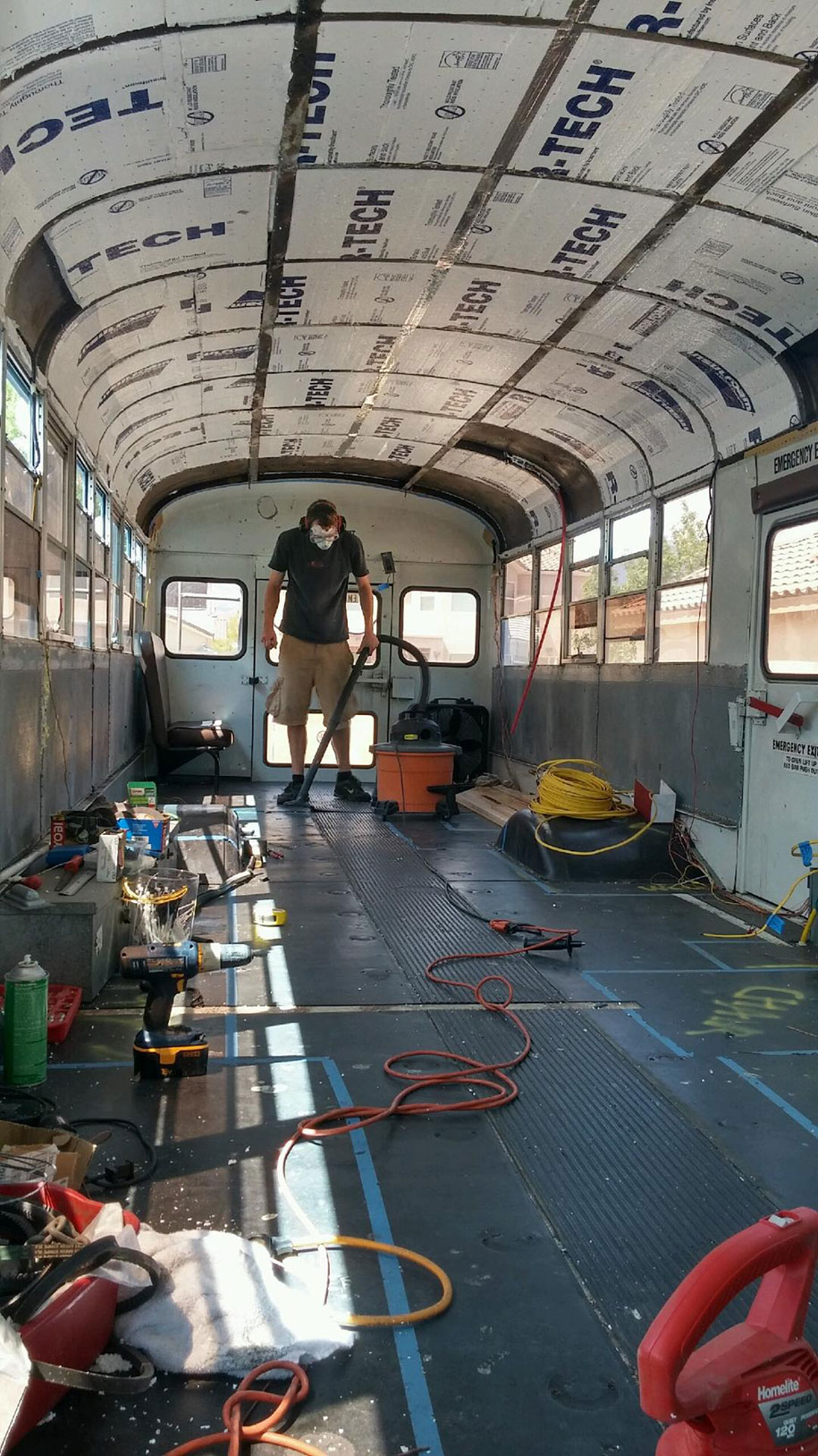 mobile-school-bus-home-travel-patrick-schmidt-9