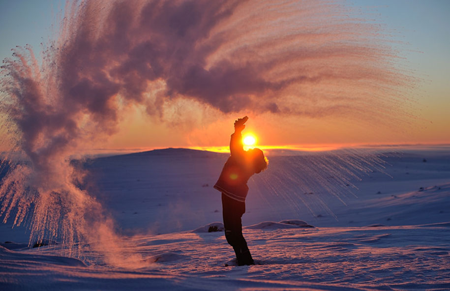 perfect-timing-photos-throwing-tea-40-celsius-freezing-michael-davies-3