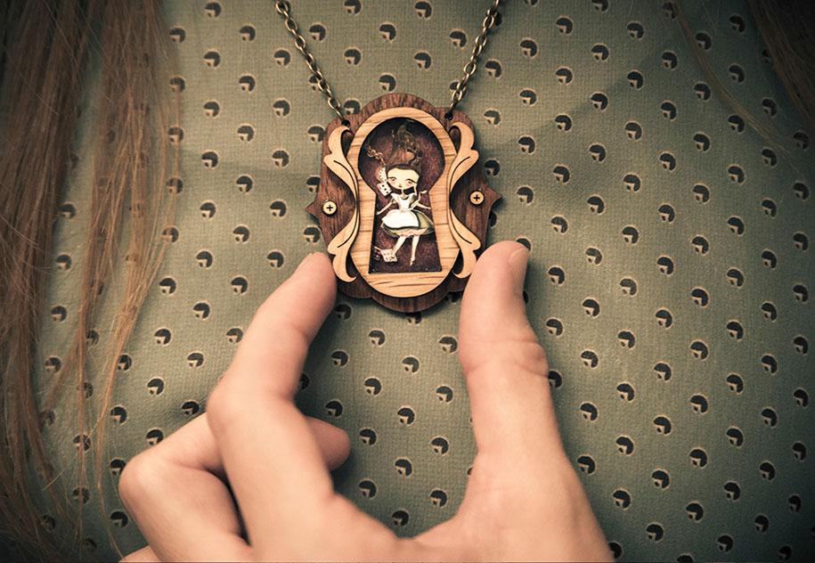 fairytale-necklaces-scenes-inside-laliblue-gemma-arnal-jerico-9