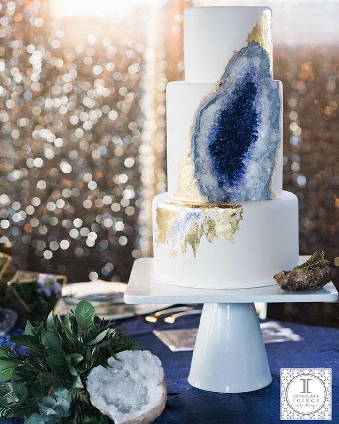 geology-confectionary-amethyst-geode-cake-rachael-teufel-3