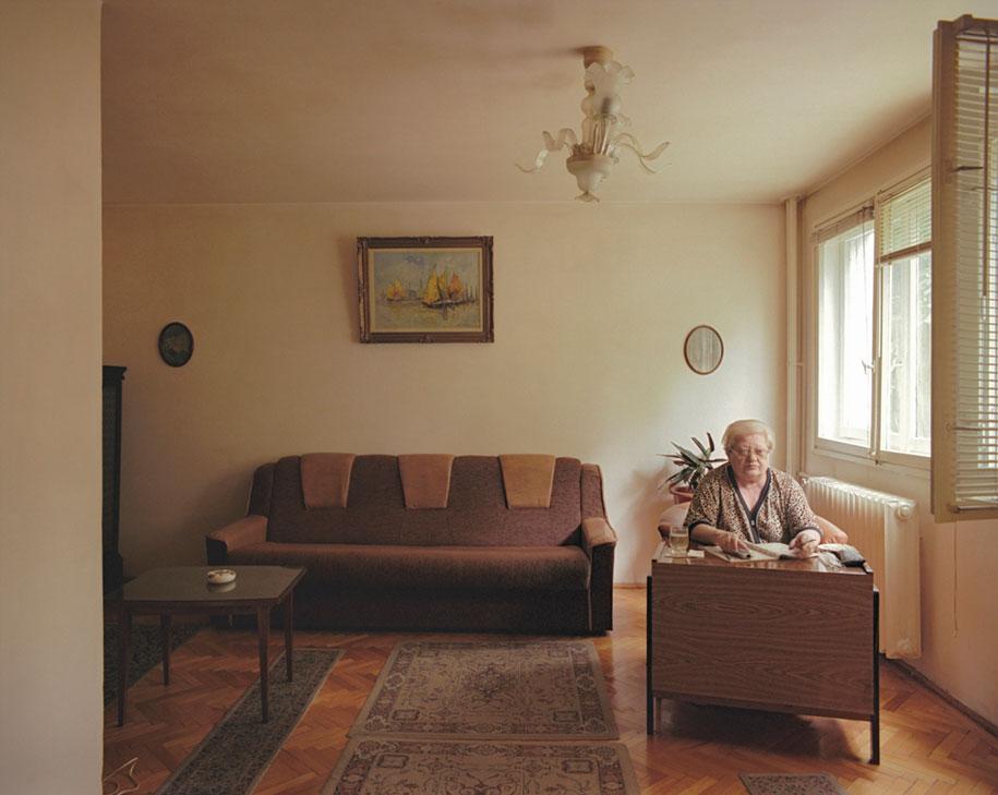 ten-floors-identical-apartments-neighbors-bogdan-girbovan-romania-10
