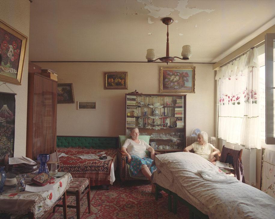 ten-floors-identical-apartments-neighbors-bogdan-girbovan-romania-2