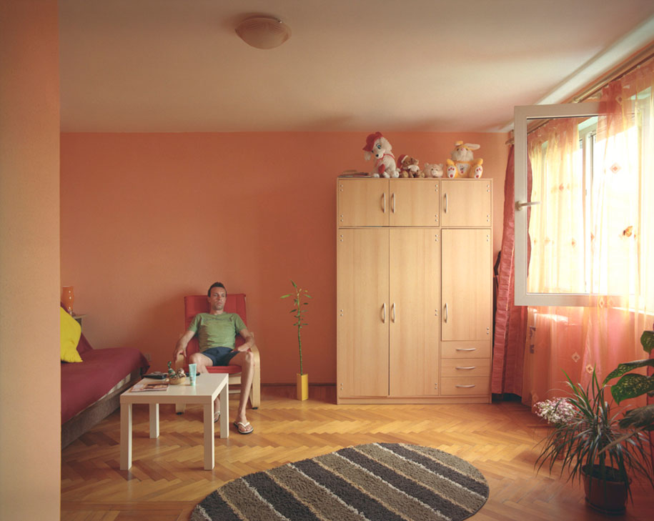 ten-floors-identical-apartments-neighbors-bogdan-girbovan-romania-4