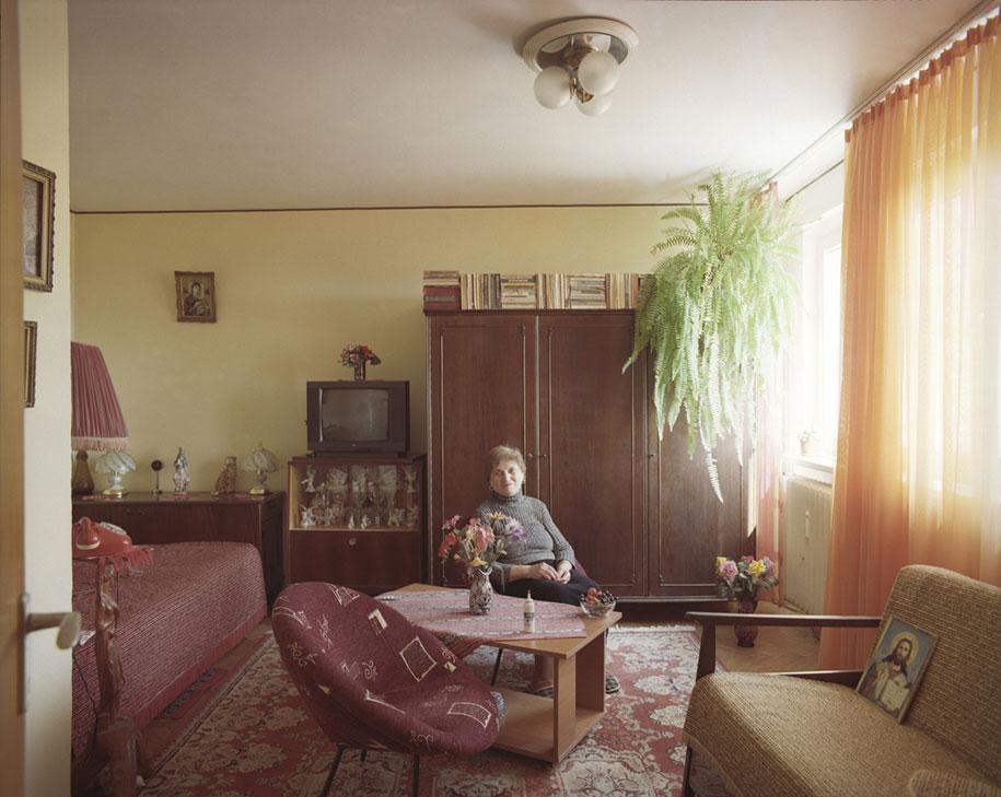 ten-floors-identical-apartments-neighbors-bogdan-girbovan-romania-9