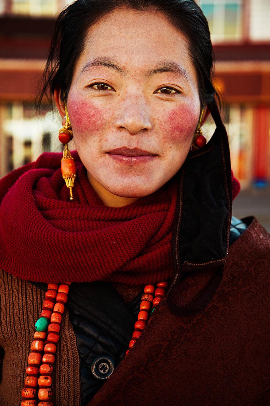 women-photos-world-atlas-beauty-mihaela-noroc-19