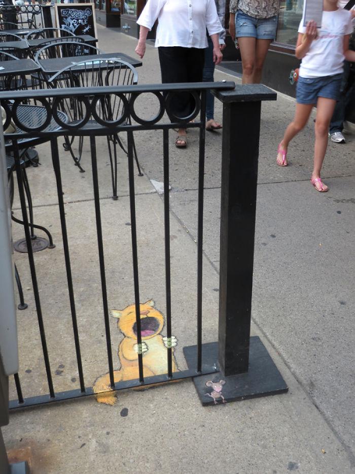 adorable-chalk-drawn-creatures-sidewalk-david-zinn-12