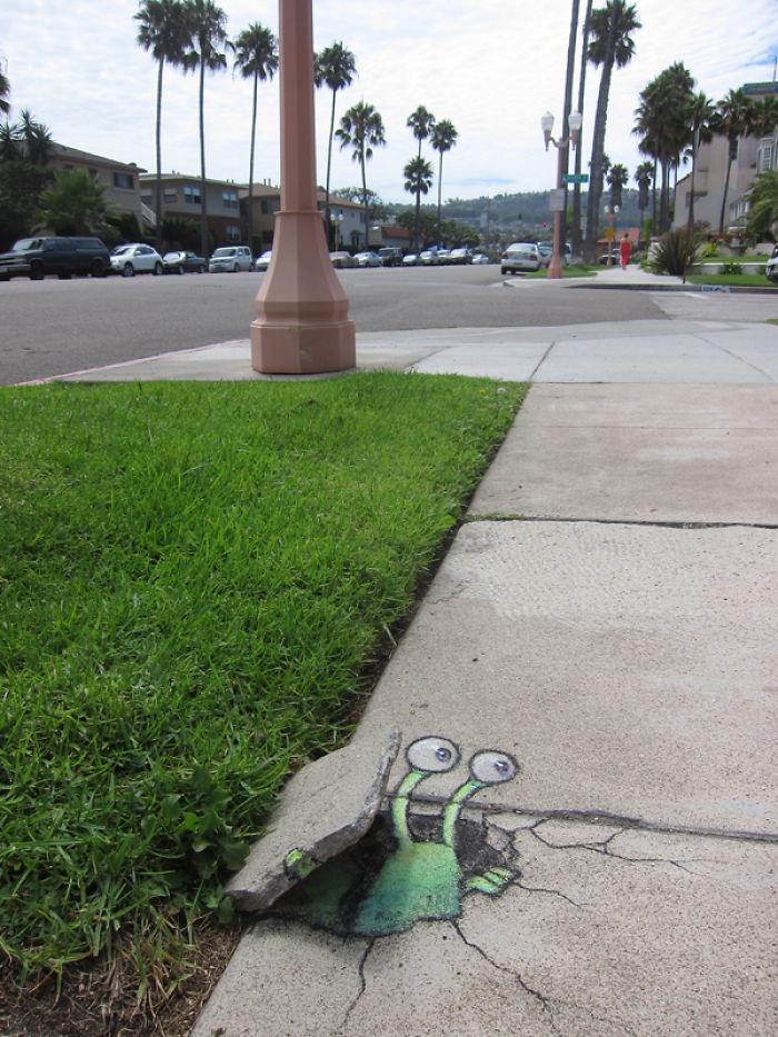 adorable-chalk-drawn-creatures-sidewalk-david-zinn-16